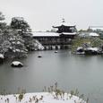 平安神宮 雪の泰平閣